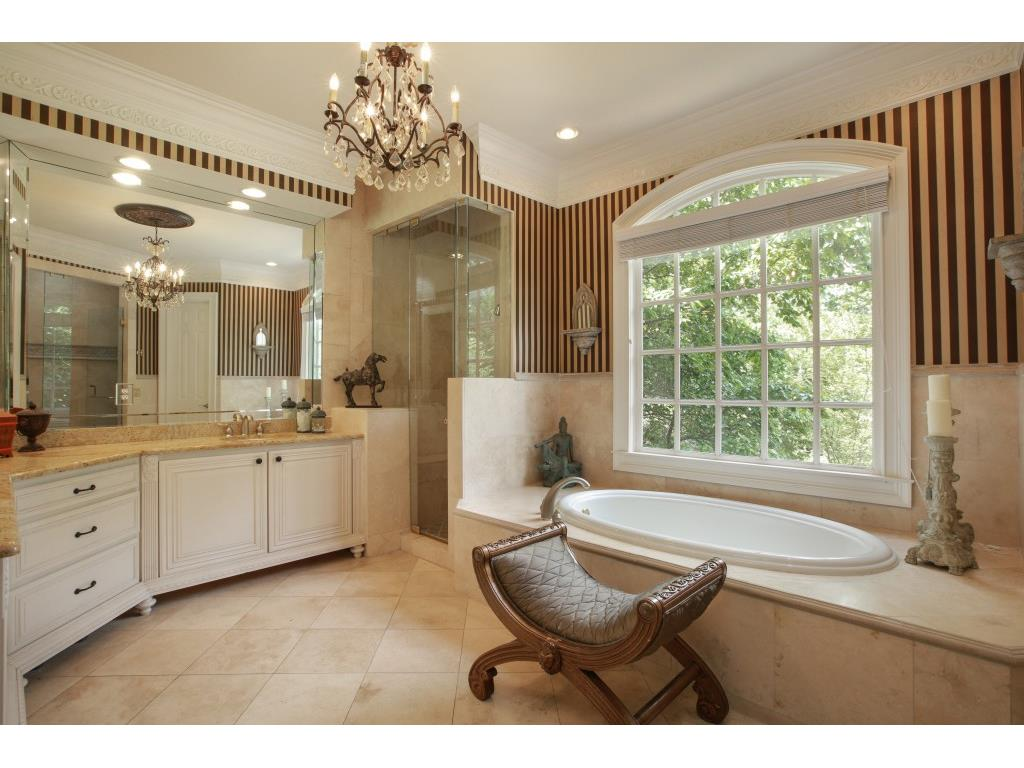 Additional photo for property listing at 2221 Dinsmore Road 2221 Dinsmore Road Alpharetta, Geórgia,30004 Estados Unidos